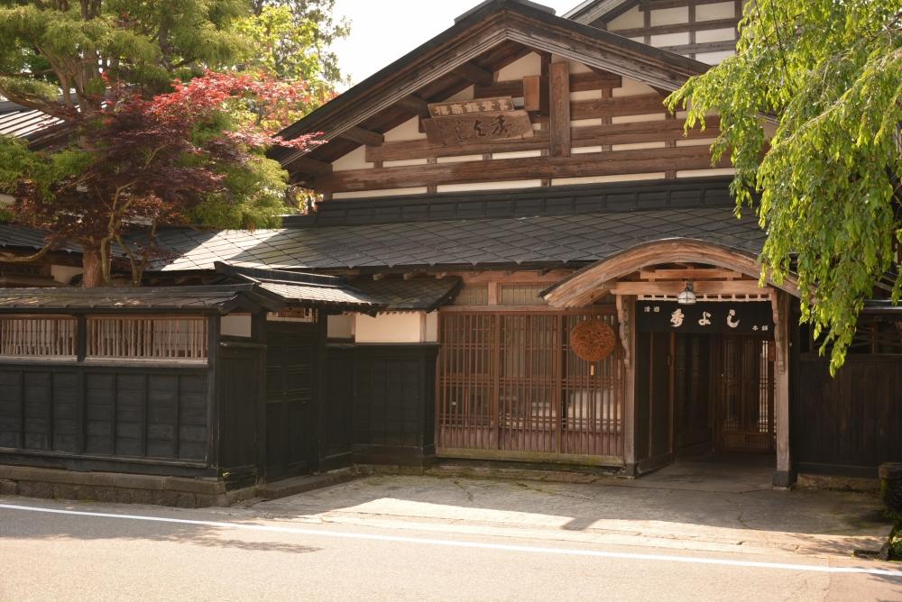 合名会社鈴木酒造店(秀よし)